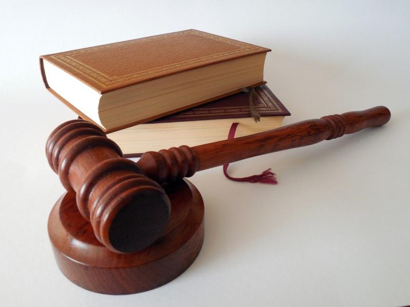 Clause de neutralité : le règlement intérieur peut prévoir une interdiction de tout signe politique, religieux...