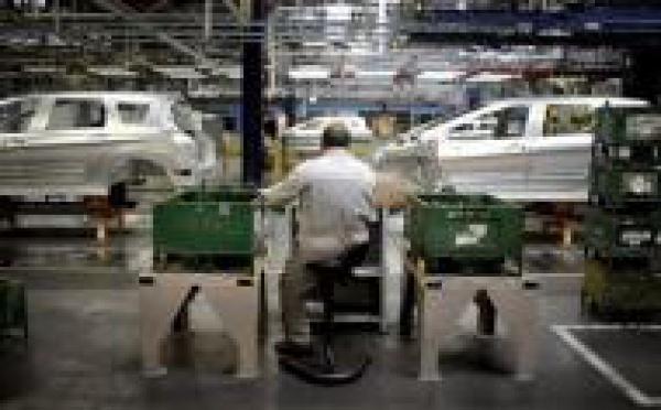 Le gouvernement anticipe d'importantes mesures de chômage technique en 2009