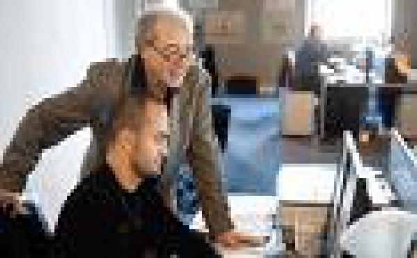 Le décret prévoyant une «taxe» emploi des seniors